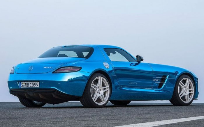 Автомобиль SLS AMG Coupe Electric Drive